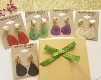 Tagua Dangle Earring /Simple earrings/Everyday Earrings/ Dainty earrings/ Simple earrings/Gold and tagua earrings/Whimsical delicate earring