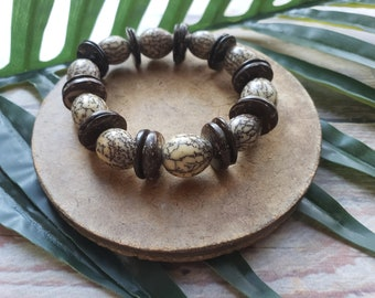 Tribal stretchy seeds bracelet/ Shaman Jewelry/ Rainforest jewelry/ Evil Eye bracelet/ Magic bracelets/ Seeds and silver bracelets