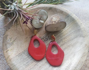 Tagua Minimalist drops Earrings/ Dangling modern tagua earrings/ Gold Tagua trendy earrings/ Statement earrings/Art deco earrings