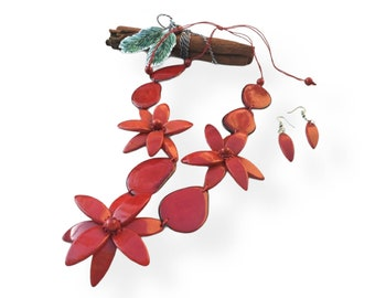 Mothers day gift/Flower jewelry/Handmade Flower necklace/ Eco friendly tagua jewelry