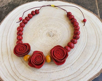 Fruit peels roses necklace/Statement flower necklace/ Oil Diffuser jewelry/ Organic necklace/Vegan leather/Recycled Orange peels jewelry