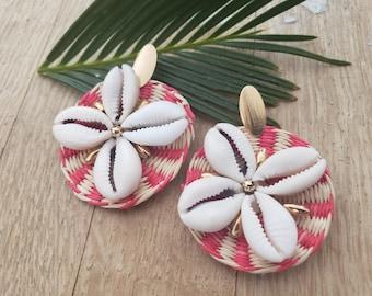 Statement straw earrings/Summer Earrings/ Rattan Disks Earrings/ Bold and big straw earrings/Straw earrings with shells flowers/Moms gifts