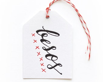 Besos - single letterpress tag