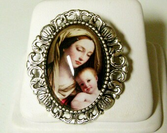 Madonna and child convertible brooch/pendant and chain - AP35-143