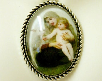 Madonna and child with a lamb pendant and chain - AP09-175