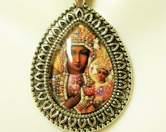 Black Madonna and child pendant with chain - AP15-084