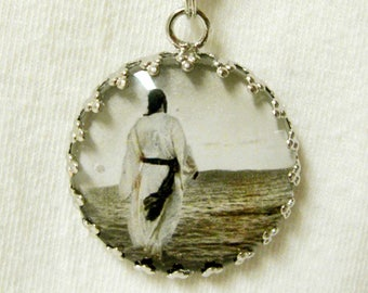 Christ walking on water pendant with chain - AP05-003