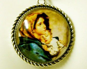 Madonna of the streets pendant and chain - AP25-004