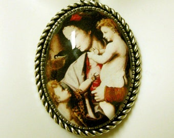 Madonna and child pendant and chain - AP09-403