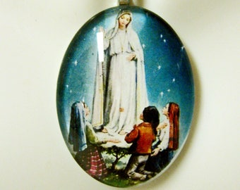 Our Lady of Fatima pendant with chain - GP04-204 cameo style