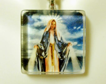 Miraculous Medal pendant with chain - GP02-173