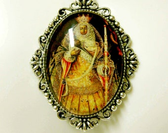 Our Lady of Candelaria pendant and chain - AP09-249