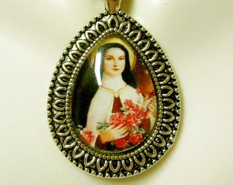 Saint Therese pendant with chain - AP15-099