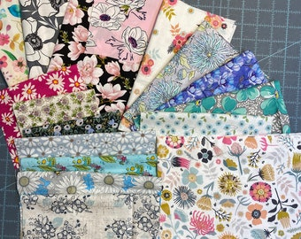 FLORAL FABRIC PACK Sir Frosty Fusible Appliqué Quilt Mums Flowers Roses Daisies
