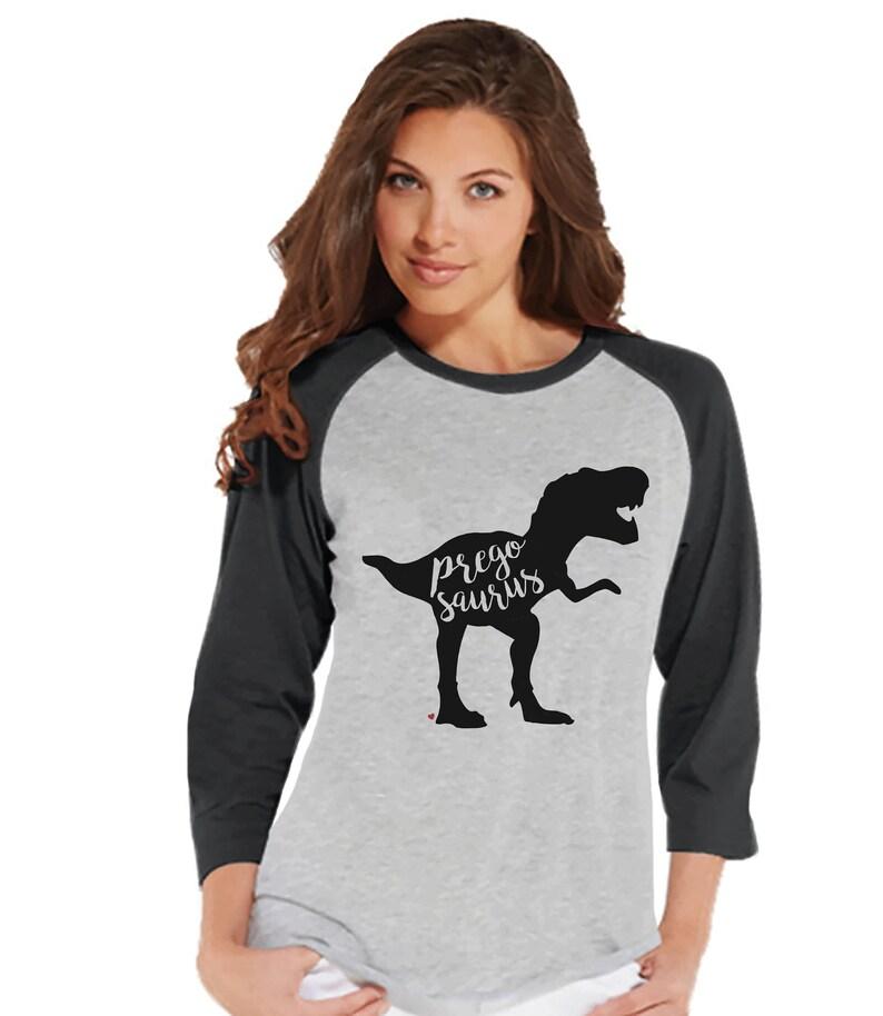 Dino Pregosaurus Chemise Raglan Femme Grossesse Annonce Gris De Shirt Révèlent Dinosaure Du 8wvymnNO0