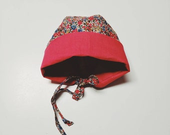 COCO BABY BONNET vintage style baby hat in Liberty Fabric tana lawn fabric Emma+Georgina (red)