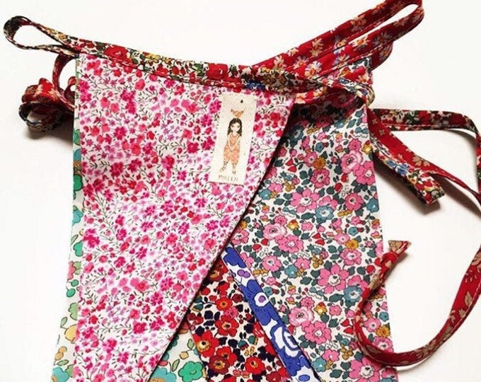 LIBERTY BUNTING Constructed from Liberty Fabric Cotton Tana Lawn. 12 mixed-print flags, 3 metre length