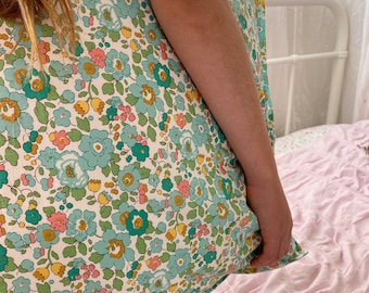 Single LUXE LIBERTY PILLOWCASE Made with Liberty Fabrics in Betsy D (Green)- Standard Size