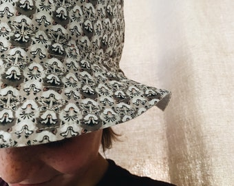 CHILDREN'S BUCKET HAT // Small, Medium, Large // Made with Liberty Fabric - Tana Lawn Outer// Wolf Pack (Brown ) -Natural Linen Lining