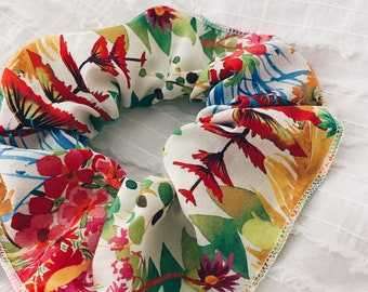 SCRUNCHIE // made with Liberty Fabric Tana Lawn// hair accessories // Liberty print Tresco A