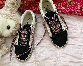 LIBERTY FABRIC SHOELACES // Made with Liberty Fabric in adult and children's sizes  - Phoebe+Jo B