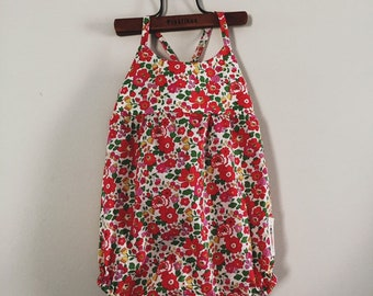 IVY ROMPER SUNSUIT Constructed from Liberty Fabric Cotton Tana Lawn 'Betsy S' (red)