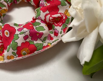 SCRUNCHIE // made with Liberty Fabric Tana Lawn// hair accessories // Liberty print Betsy S (Red)