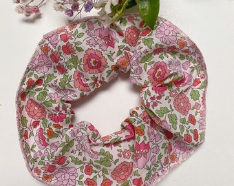 SCRUNCHIE // made with Liberty Fabric Tana Lawn// hair accessories // Liberty print D'ANJO pink