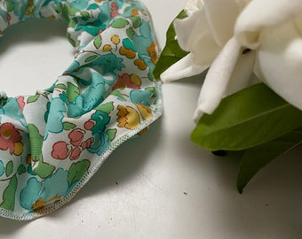 SCRUNCHIE // made with Liberty Fabric Tana Lawn// hair accessories // Liberty print Betsy D (Green)