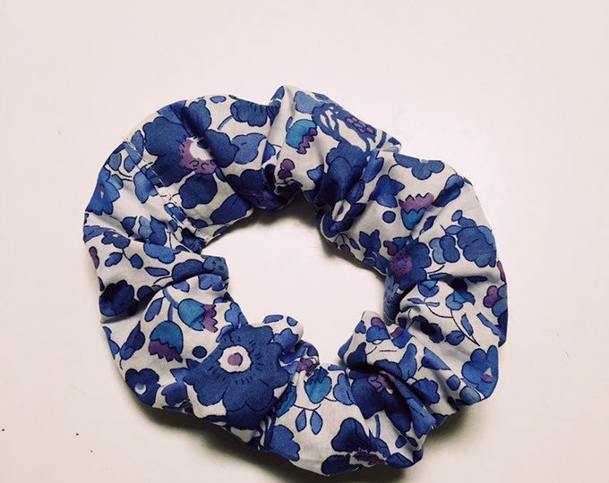 SCRUNCHIE made in Liberty Fabric - hair accessories for women and children. Liberty print BETSY (deep blue) size large