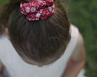 SCRUNCHIE // made with Liberty Fabric Tana Lawn// hair accessories // Liberty print Capel F (Red)