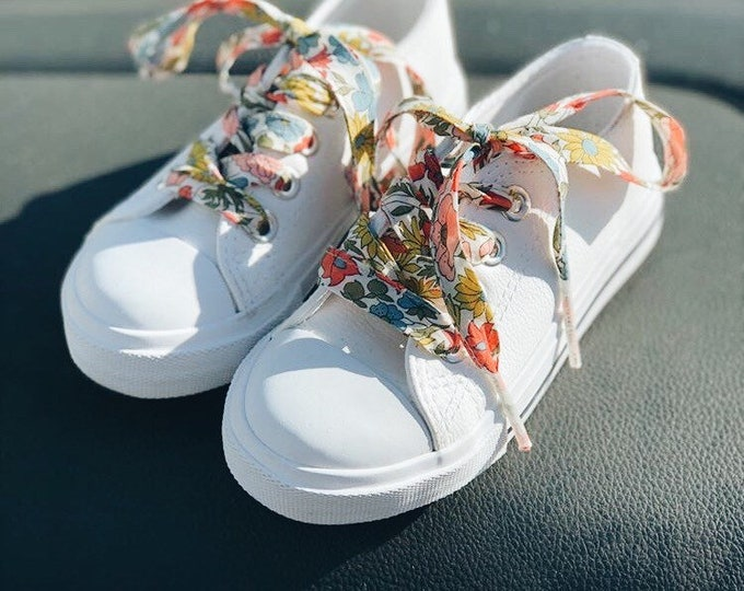 SHOELACES made in Liberty Fabric in adult and children's sizes - POPPY+DAISY