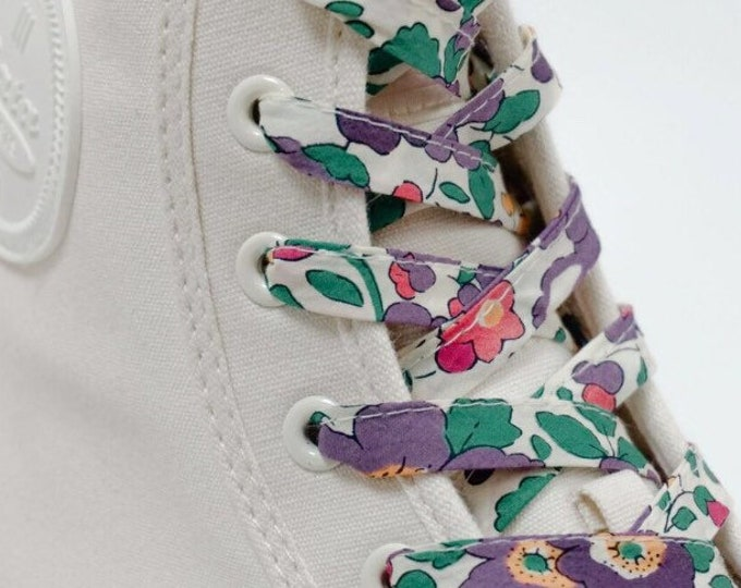 SHOELACES made in LIBERTY FABRIC Adult and children's shoelaces in Liberty print Betsy E-W (purple)
