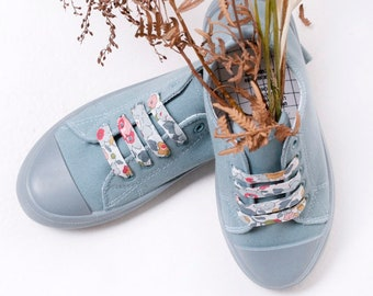 LIBERTY FABRIC SHOELACES // Made with Liberty Fabric in adult and children's sizes - Betsy P (grey)