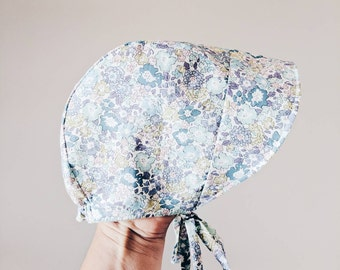 COCO BABY BONNET vintage style baby hat in Liberty Art tana lawn fabric Michelle D pale purple