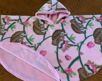 COZY & ADORABLE SLOTH Pink Poncho ~ Fleece Lining ~ Travel Child Car Seat Poncho
