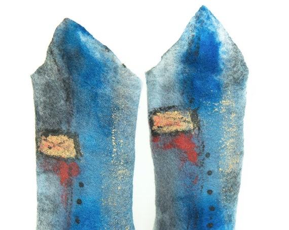 Piece unique woman accessories, smoothest merino wool felt, handpainted / Gray, blue felted arm-warmers, abstract painting / Art Fashion