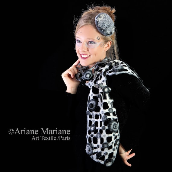 Black white women grid scarf, geometric pattern design, elegant wool shawl, warm cozy neckwarmer