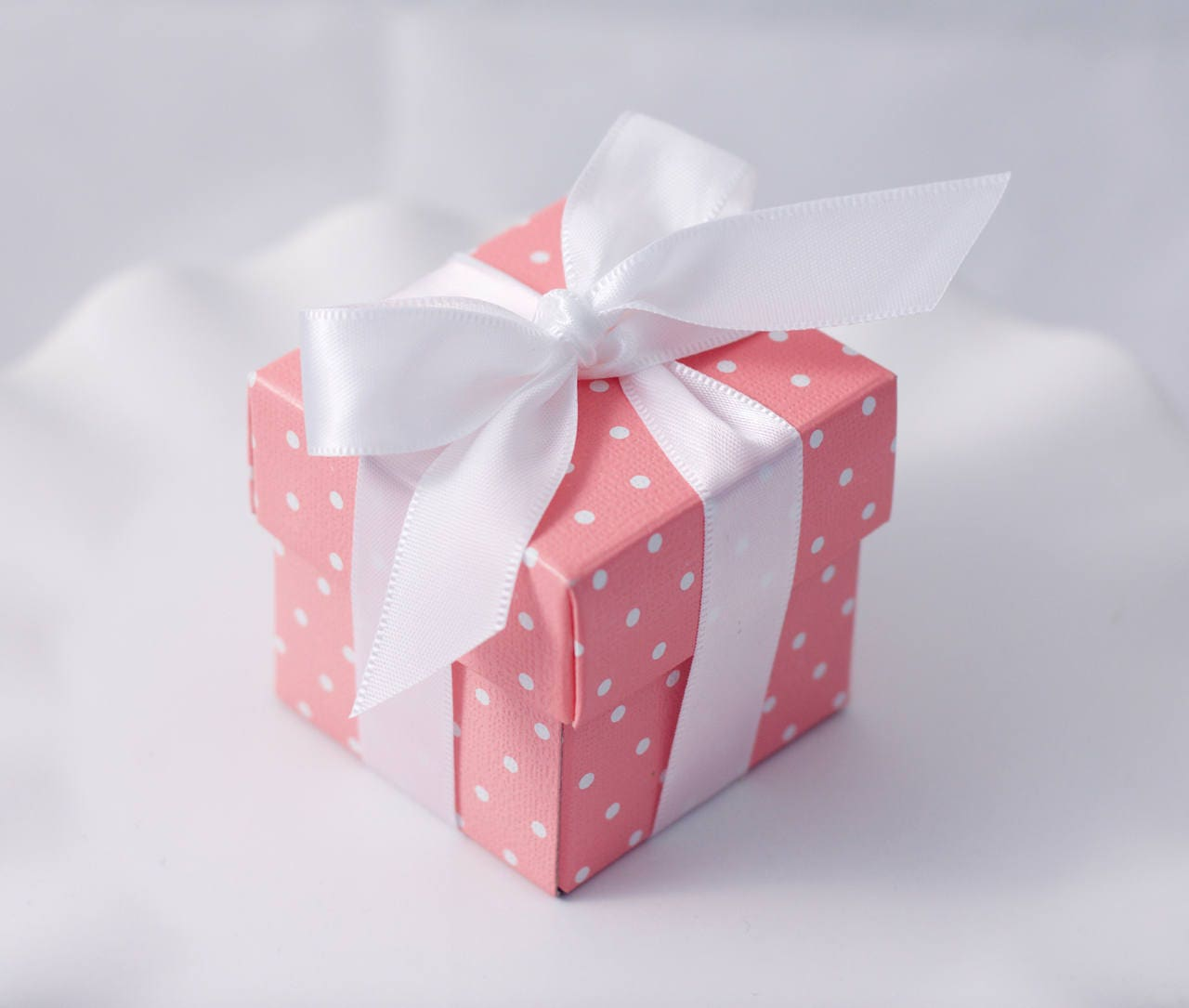 12 Pink Favor Boxes White Ribbons Included Pink Polkadot   Etsy