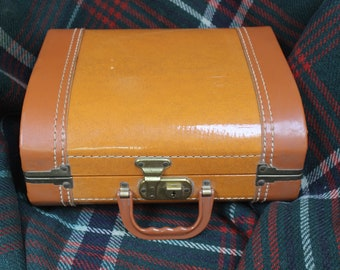 Train Case Faux Leather Overnight Luggage Make up Carry VINTAGE by Plantdreaming