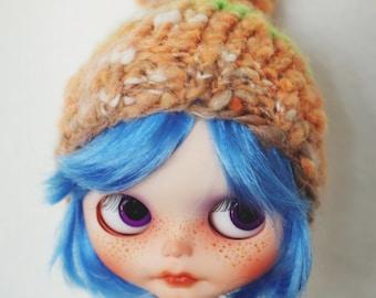 Blythe Beanie   Blythe Hat   Blythe Pompom   Blythe Clothes   Blythe Fashion   Blythe Beanie made from handspun yarn