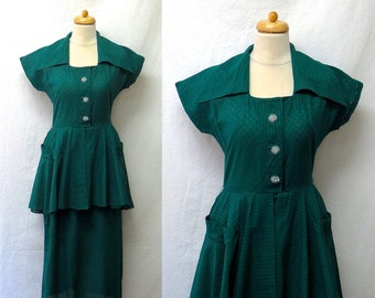 99105ff8eb2 1940s   50s Vintage Cotton Voile Dress   Emerald Green Geometric Peplum  Dress