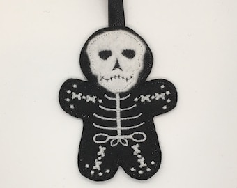 Skeleton glow in the dark Halloween goth gingerbread gift Christmas decoration tag