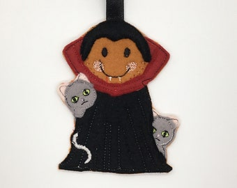 Dracula vampire with cats Halloween goth gingerbread gift Christmas decoration tag