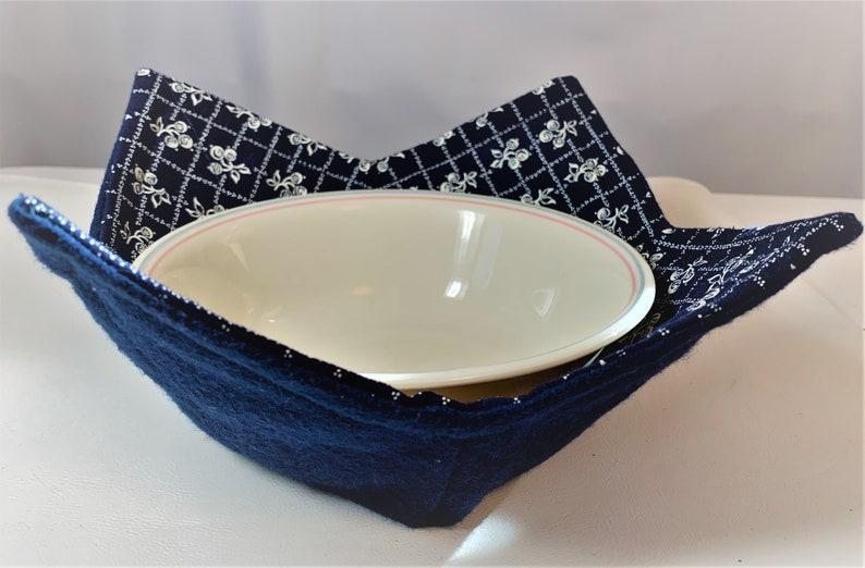 Microwave bowl hot pad Navy blue print