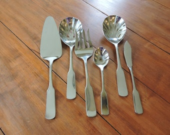 Farberware Stainless Flatware 13 Pieces of Stainless Flatware China Y