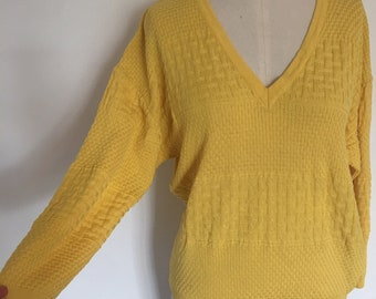 Vintage 1970s 80s Courreges Paris yellow pullover sweater. V-neck. Mixed  basketweave knit. Mustard yellow. 100% cotton. Made in France. e055205b7