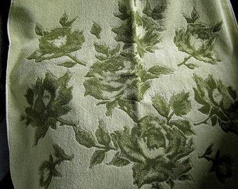 Vintage 1970's Fieldcrest Bath Towel with Fringe ~ Retro Avocado Green Roses Floral Terry Cloth ~ 100% Cotton USA