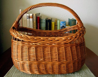 Large Vintage Wicker Picnic Basket Garden Gathering, Farmers Market, Shopping, Display, Stairway, Craft Supplies ~ Farm House French Country