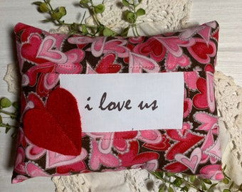 French Country Small Heart Pillow Farmhouse Valentine/'s Day Tier Tray Decor 6 inch KISS ME Valentine/'s Day Pillow Brown Pink Red Heart